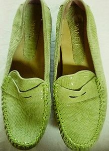 Women's shoes by Vaneli